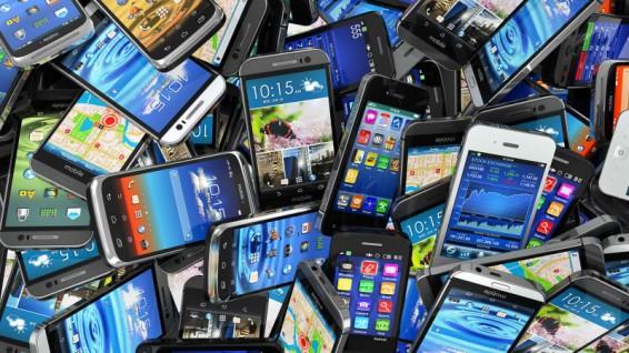 smartphones-pile